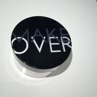 Make over silky smooth translucent powder 02 shade rosy