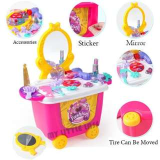 21pcs Make up Dressing Table Moveable Wheel Case Kids Playset Pretend Play Toys