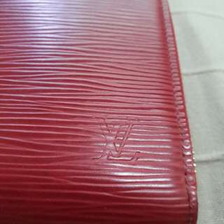 Rush! Repriced. Preloved authentic louis vuitton red epi zipper wallet