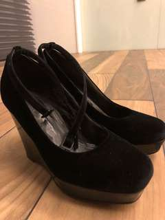 H&M velvet wedges