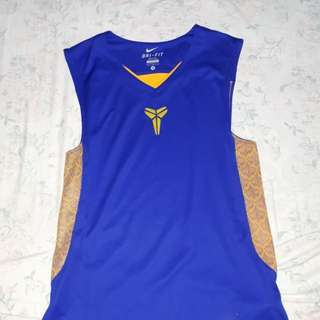Kobe shirt lakeshow color w/ snake skin sides (medium)