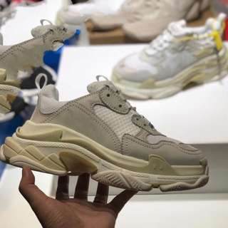 [PO] Balenciaga Triple S Milk Dad Shoe