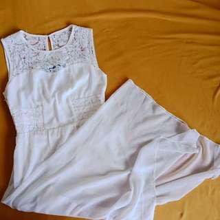 White Maxi dress (smll-med)