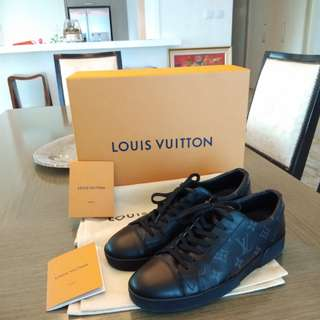Authentic Louis Vuitton LV Sneaker Black
