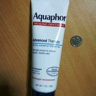Aquaphor Advanced Therapy Moisturizing Ointment