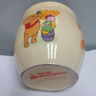 东京迪士尼小熊维尼瓷瓶