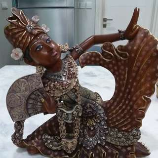 Patung Penari Bali