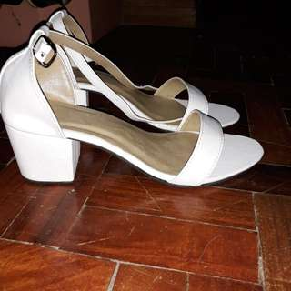 White leather block heels 2inches