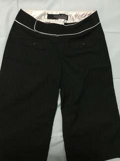 Guess pin stripes black pedal pusher (size 27)
