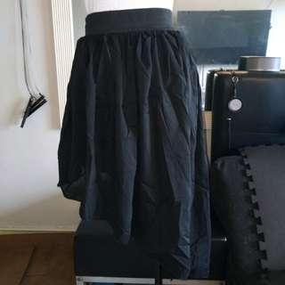 Black salsa skirt