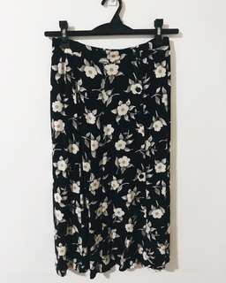 CHICO FLORAL KNEE LENGTH SKIRT