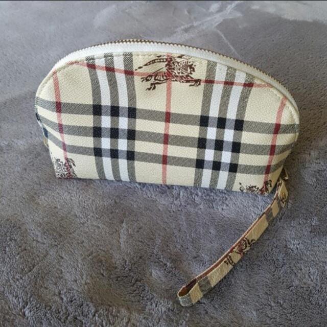 Burberry  toiletry bag