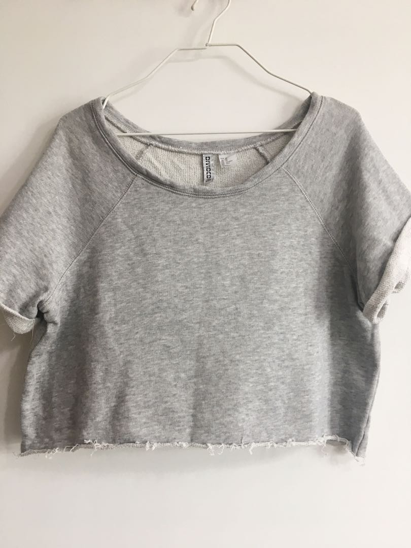 10be10138c675 H M Divided Grey Sweater Crop Top