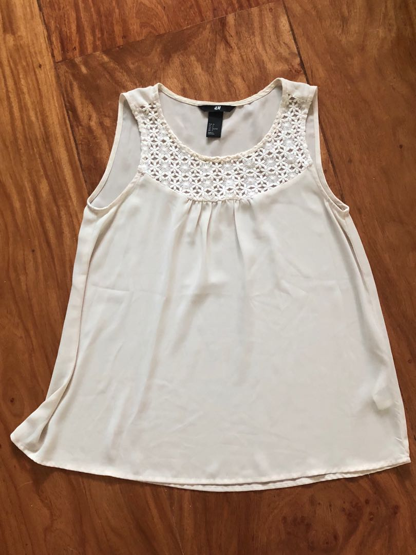 e9eea9517b69d H M Flowy White top