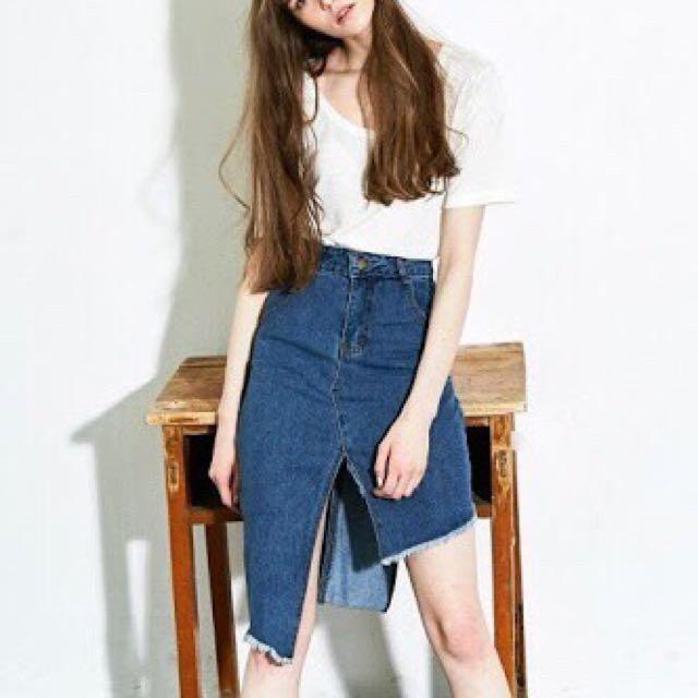 Liunick Unbalance Denim Skirt (Dark denim)