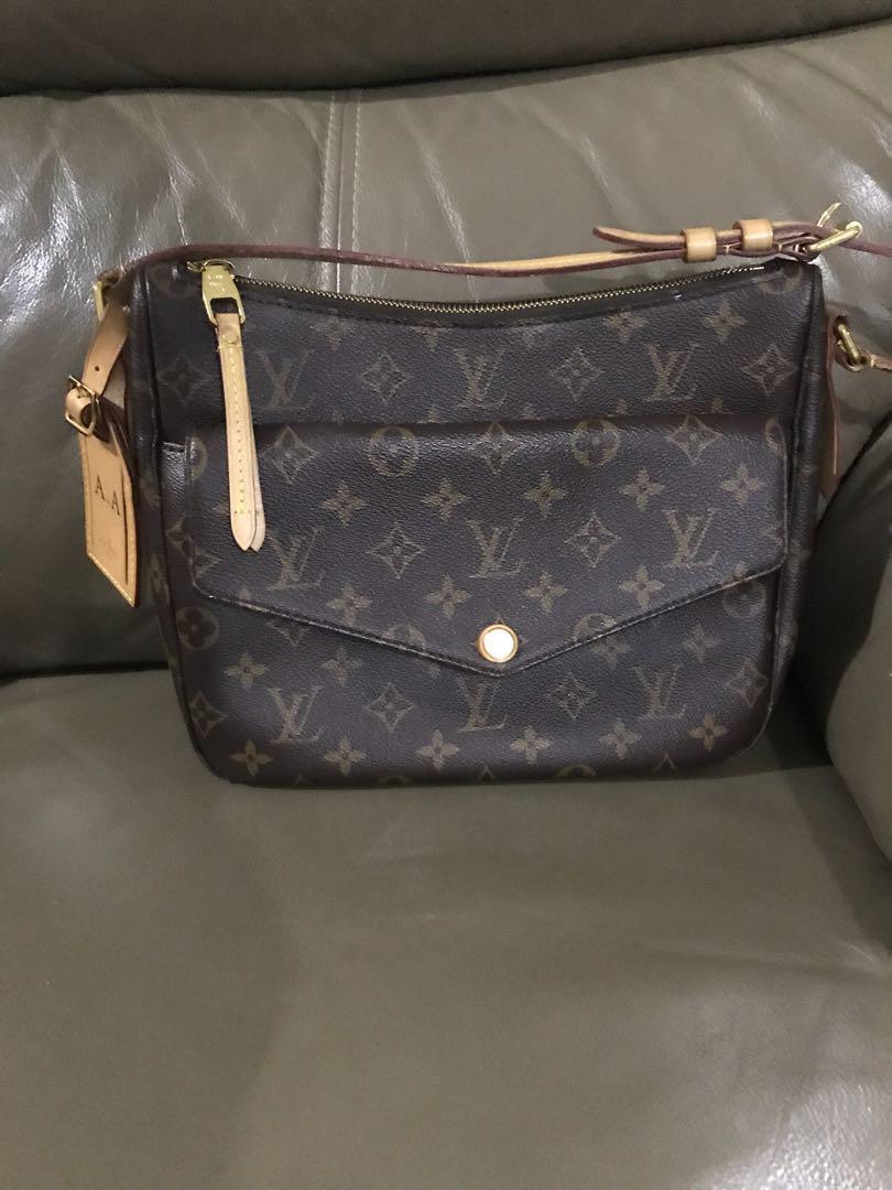 330dae5bb9d4 Louis Vuitton Mabillon