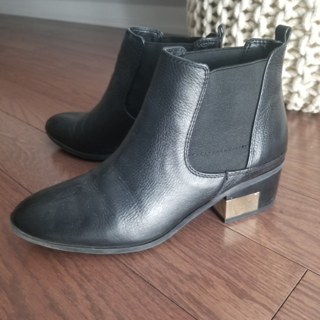MARC FISHER Chelsea boot black leather gold detail. 9/10 SIZE 7.5