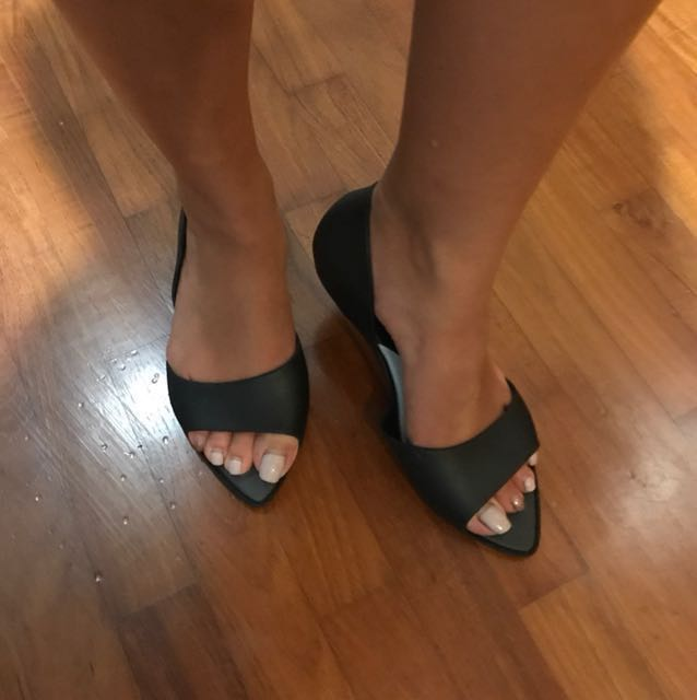 black flats pointy toes