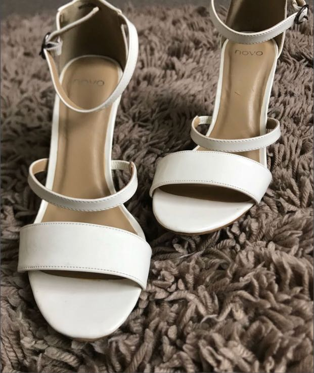 Novo Midori Heels