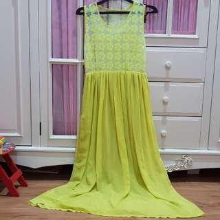 1x pakai aja, dress kuning hijau ,no defect free size fit to L