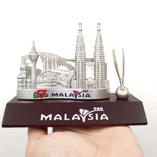 Malaysia Skyscrapers Pen and Card Holder