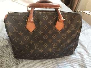 Vintage Louis Vuitton LV speedy ( Authentic )