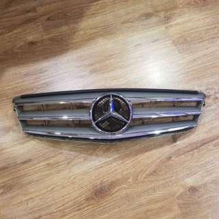 Pre owned Mercedes C180 W204 grilles avant garde