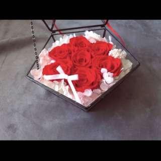 法式經典7朵玫瑰花玻璃盒(永生花)🌹