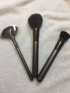 Marionnaud brushes+free nature republic toner