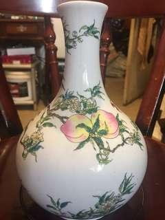 🚚 桃子花瓶