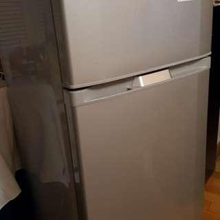 Hitachi fridge 1 级效能標籤
