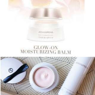 💫LUXURY ITEM💫❤A MELTING BALM TO REPLUMP AND HYDRATE SKIN WITH A LUMINOUS FINISH❤MAKE MAKEUP LOOK BETTER & LAST LONGER ❤INCREDIBLE PATENT TEXTURE❤USED ALONE FOR RADIANT BARE FACED LOOK❤ GIORGIO ARMANI PRIMA GLOW-ON MOISTURIZING BALM (50ml)