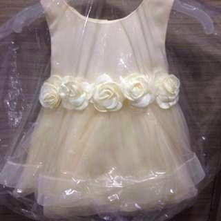 🚚 🌺小花童洋裝 女童鵝黃色玫瑰花無袖澎澎裙洋裝 紗裙 兒童婚紗