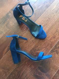 BRAND NEW navy blue block heels