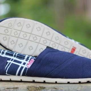 Grosir Sepatu wakai Pria N kotak grade ori/sepatu wakai cewek/sepatu anak/flatshoes/slip on/alas kaki/murah