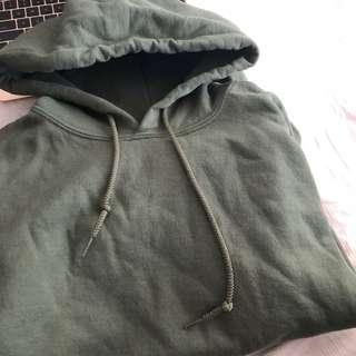 GILDAN olive hoodie