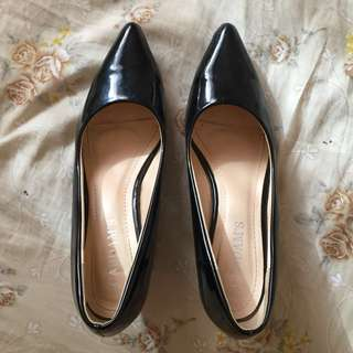 Cardams Pointed Black Heels