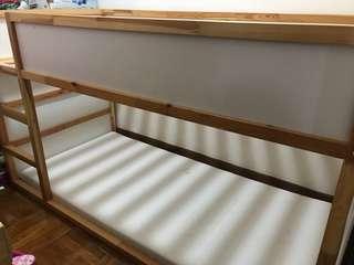 kura reversible bed 上下格床架及床褥一張
