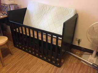 Ikea 嬰兒床 含床墊