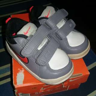 AUTHENTIC Nike Pico 4