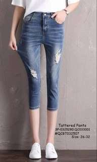 Tattered pants size : 26-32