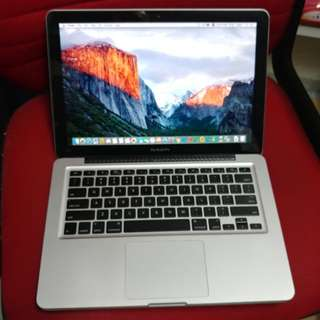 MacBook Pro 13 inches SSD DVD internal camera good for study