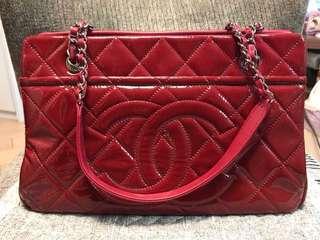 CHANEL TIMELESS CC漆皮紅色袋