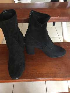 Therapy black boots
