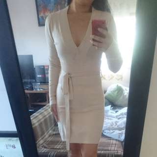 Beige knitted fitted dress with waist belt/tie size m (fits like size S)