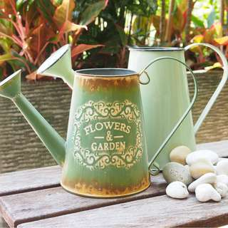 COLLECTIBLES Vintage                                                                           Watering Can (Flowers n Garden)