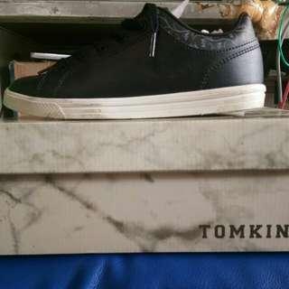 Sepatu Tomkins sepatu sekolah uk 38