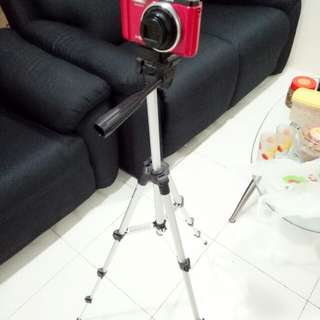 Professional Camera/smartphone tripod stand
