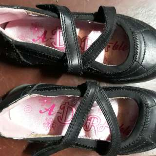 Black Shoes Dora