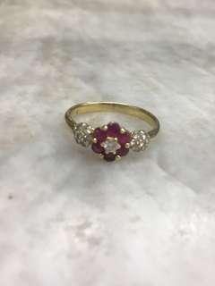 18K Ladies Ring w/ 1 Brill, 14 Chisps & Col Stone